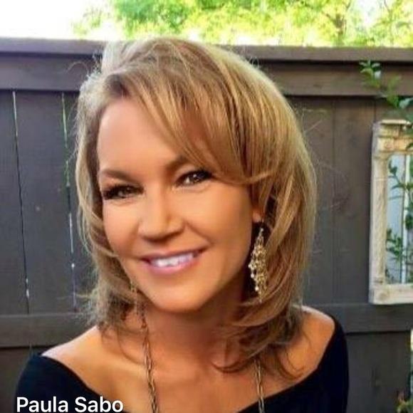 Meet the Posher Other - Meet your Posher, Paula